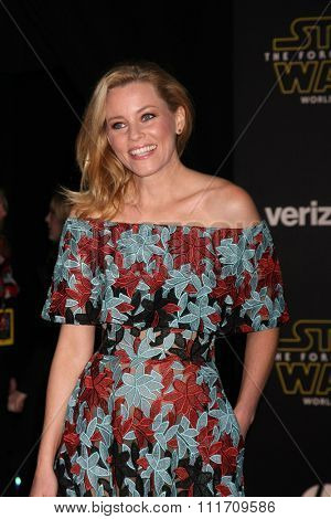 LOS ANGELES - DEC 14:  Elizabeth Banks at the Star Wars: The Force Awakens World Premiere at the Hollywood & Highland on December 14, 2015 in Los Angeles, CA