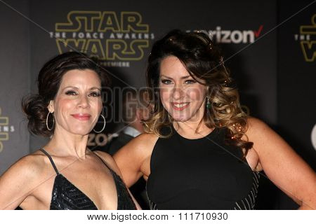 LOS ANGELES - DEC 14:  Tricia Leigh Fisher, Joely Fisher at the Star Wars: The Force Awakens World Premiere at the Hollywood & Highland on December 14, 2015 in Los Angeles, CA