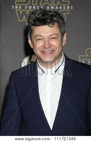 LOS ANGELES - DEC 14:  Andy Serkis at the Star Wars: The Force Awakens World Premiere at the Hollywood & Highland on December 14, 2015 in Los Angeles, CA