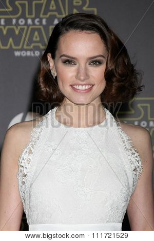 LOS ANGELES - DEC 14:  Daisy Ridley at the Star Wars: The Force Awakens World Premiere at the Hollywood & Highland on December 14, 2015 in Los Angeles, CA