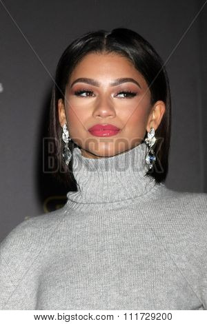 LOS ANGELES - DEC 14:  Zendaya Coleman at the Star Wars: The Force Awakens World Premiere at the Hollywood & Highland on December 14, 2015 in Los Angeles, CA