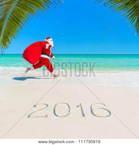 Santa Claus Run At Palm Beach 2016 With Christmas Sack
