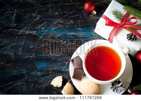 Black Tea With Cookies.