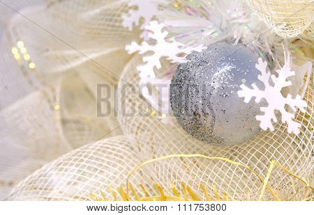 Shining Glass Ball With Ice Crystal, Celebrate With Beautiful See Through Net