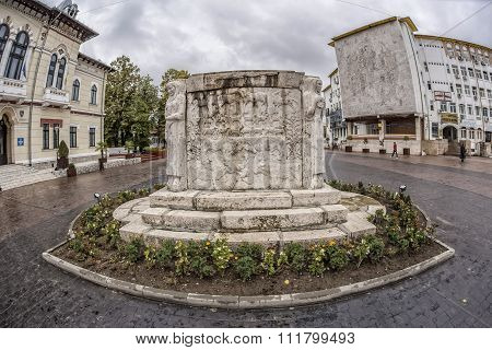 TARGU-JIU, ROMANIA-OCTOBER 08: Monument of Ecaterina Teodoroiu on October 08, 2014 in Targu-Jiu.