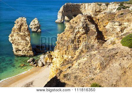 Idyllic beach praia da Marinha, Lagoa, Algarve