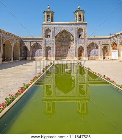 Nasir al-Mulk Mosque pool