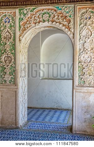 Zinat ol Molk House wooden room interior
