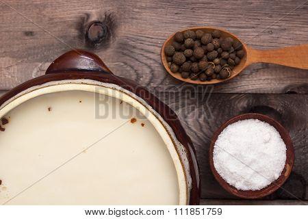 Lard In Ceramic Ware