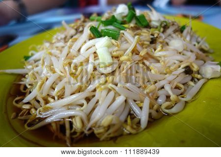 Boiled Bean Sprouts With Soya Source