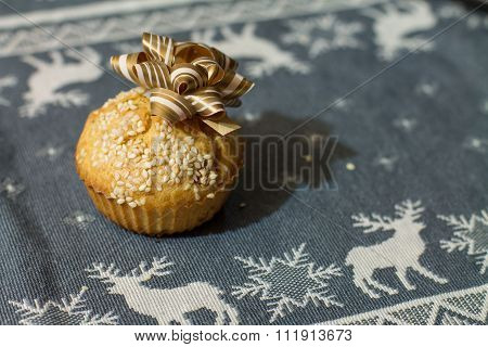 Salty muffin with gold bow