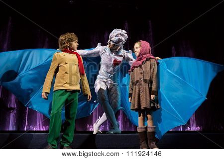 RUSSIA, MOSCOW - 18 DEC, 2014: Performers are playing the role and standing on a stage at Aquamarine circus.