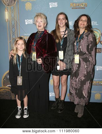 LOS ANGELES - DEC 09:  Connie Stevens, Tricia Leigh Fisher at the Cirque Du Soleil's