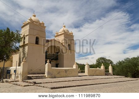Molinos church on route 40