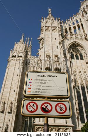 Respect The Piazza Duomo Sign
