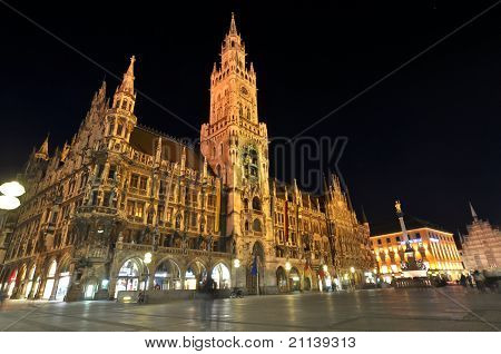 Neues Rathaus at night Marienplatz Munich Germany
