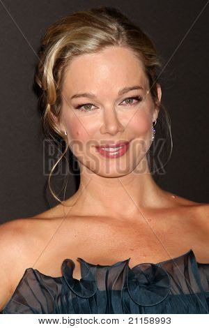 LAS VEGAS - JUN 19:  Jennifer Gareis arriving at the  38th Daytime Emmy Awards at Hilton Hotel & Casino on June 19, 2010 in Las Vegas, NV.
