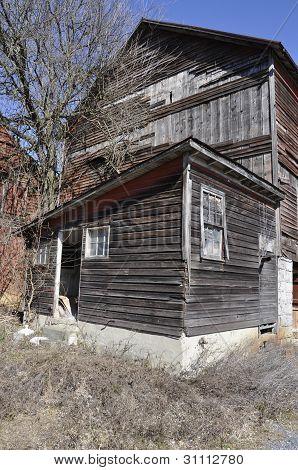Old Timeworn Barn