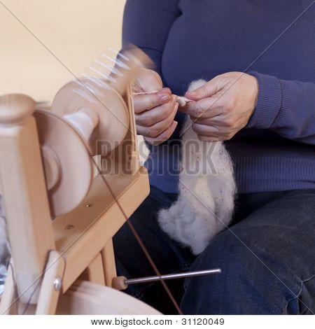 wool spinner