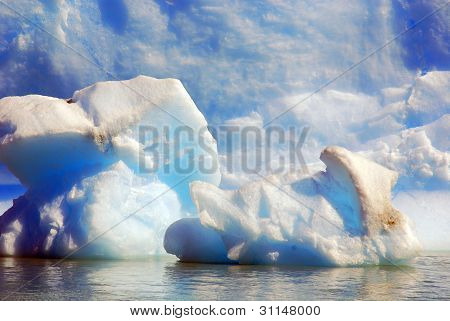 Iceberg on Lago Argentino is a lake