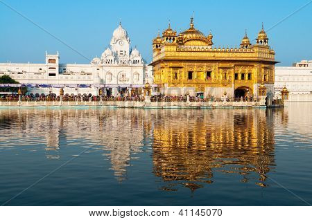 Daytime view of Golden Temple, Amritsar, Punjab state, India, Asia
