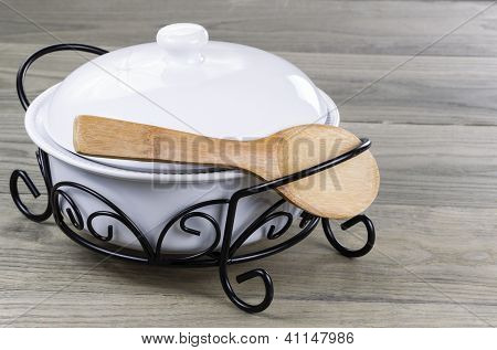 Traditional Serving Pot For Kitchen Duties