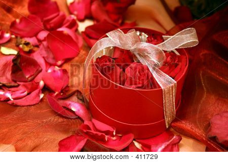Boxed Red Roses 2