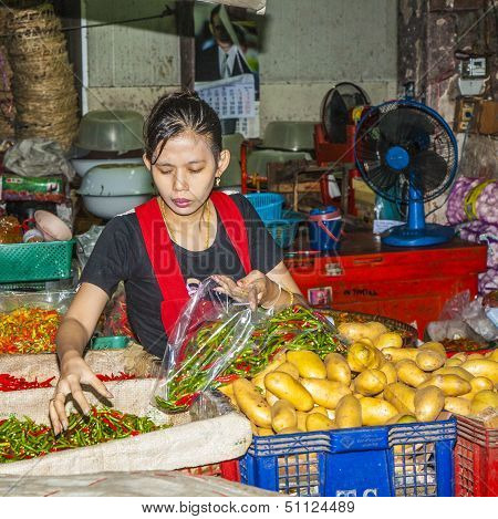 Women Sells Fresh Potatoes At The Morning Market Pak Khlong Thalat
