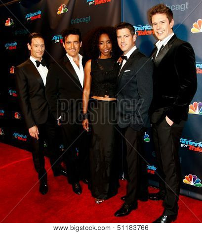NEW YORK-SEP 18:  Il Divo and Heather Headley at the post-show red carpet of