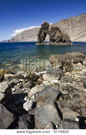 Natuursteen boog Roque De Bonanza, El Hierro Island