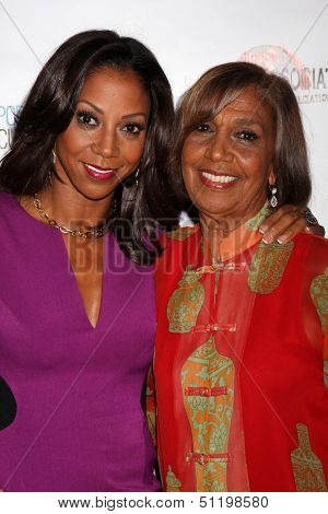 LOS ANGELES - SEP 19:  Holly Robinson Peete, Dolores Robinson at the Heller Awards 2013 at Beverly Hilton Hotel on September 19, 2013 in Beverly Hills, CA