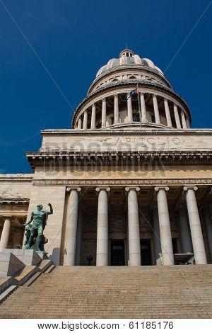 Capitolio En La Havana