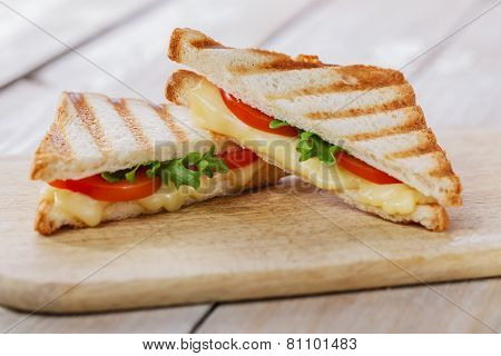 grilled sandwich toast with tomato and cheese