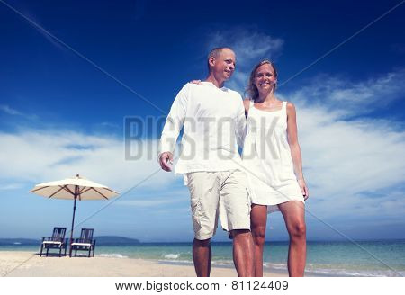 Couple Walking Beach Vacation Holiday Trip Concept