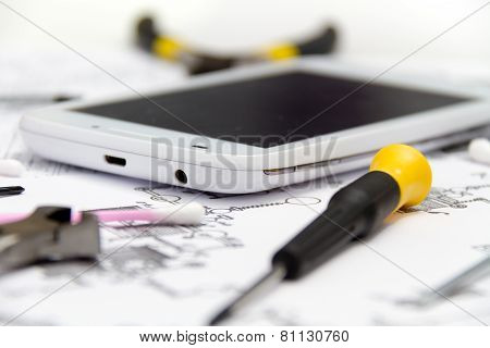 Technical Operator And Repair Smartphone