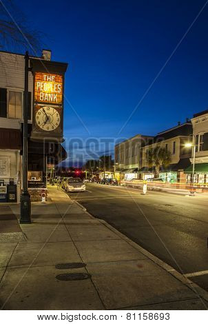 BEAUFORT, SOUTH CAROLINA-FEBRUARY 24, 2014: Traffic moves though the historic downtown of Beaufort, South Carolina in this time exposure