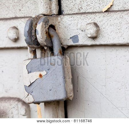 Hanging Lock