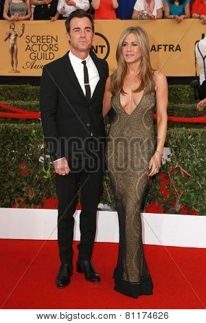LOS ANGELES - JAN 25:  Justin Theroux, Jennifer Aniston at the 2015 Screen Actor Guild Awards at the Shrine Auditorium on January 25, 2015 in Los Angeles, CA