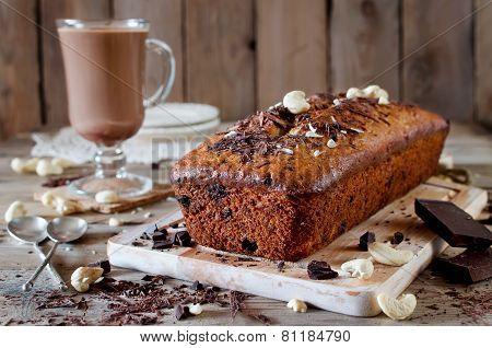 Banana Cupcake With Chocolate And Cashew Nut