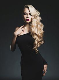 pic of slim model  - Fashion - JPG