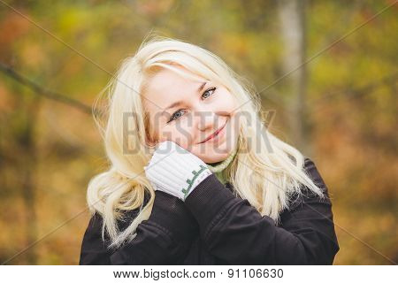 blonde girl with beautiful smile and eyes