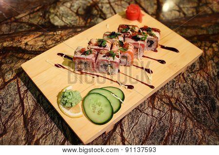 Delicious Philadelphia maki sushi rolls