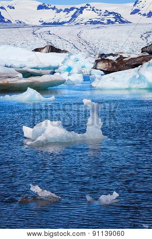 Jokulsarlon Ice Lagoon in sun light, Iceland