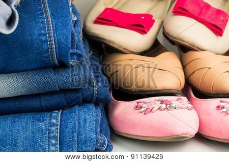 Various female summer shoes with jeans