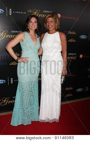 LOS ANGELES - MAY 19:  Erica Hill, Hoda Kotb at the 40th Anniversary Gracies Awards at the Beverly Hilton Hotel on May 19, 2015 in Beverly Hills, CA
