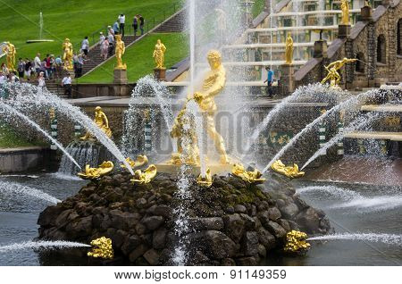 Samson Fountain Of The Grand Cascade