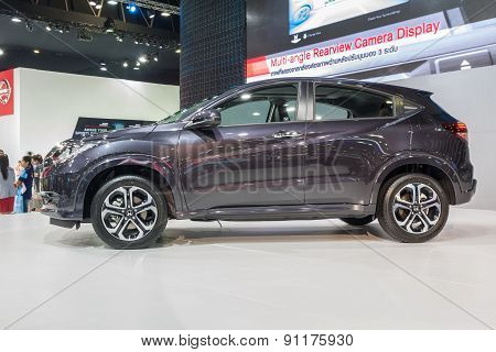Side View Of Honda Hr-v