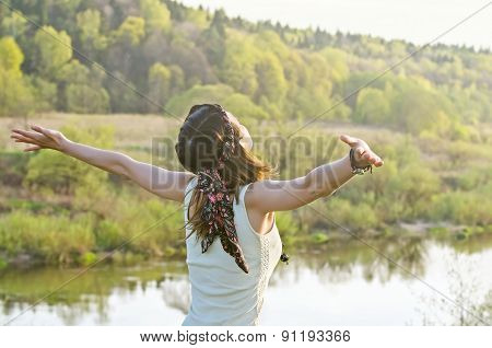 Free Happy Woman Enjoying Nature. Beauty Girl Outdoor. Freedom C