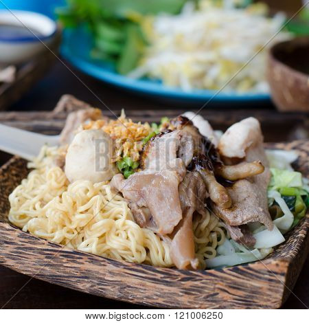 Fried Thai Mama Instant Noodles With Pork