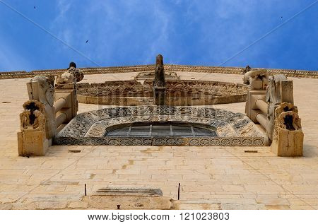 Rose window of the main facade Cathedral of Trani. Apulia - ITALY